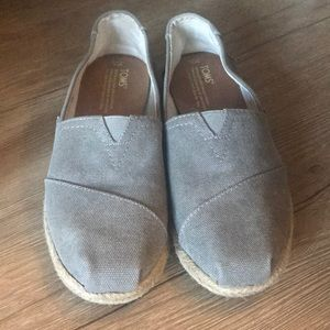 Toms gray flats - size 8
